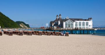 Selliner Seebrücke und die Ostsee auf der Insel Rügen - Jetzt Urlaub machen in Sellin